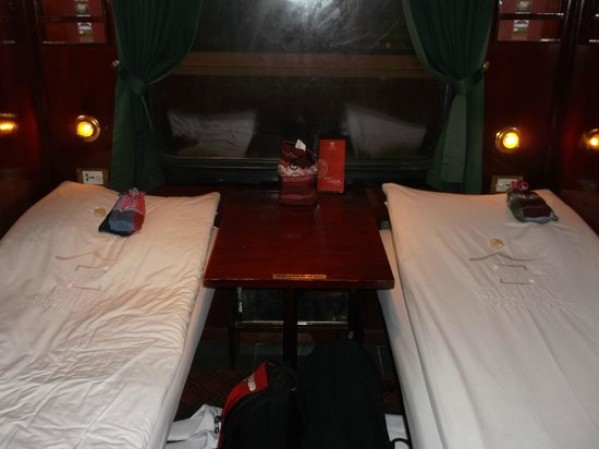Victoria Sapa Resort and Spa : two berth compartment - Victoria train