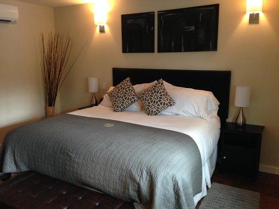 Olea Hotel - King Bed