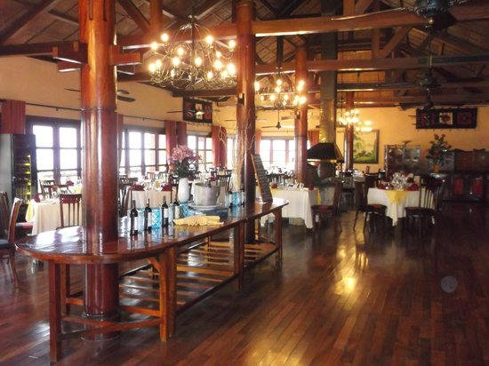 Victoria Sapa Resort and Spa: restaurant - excellent food