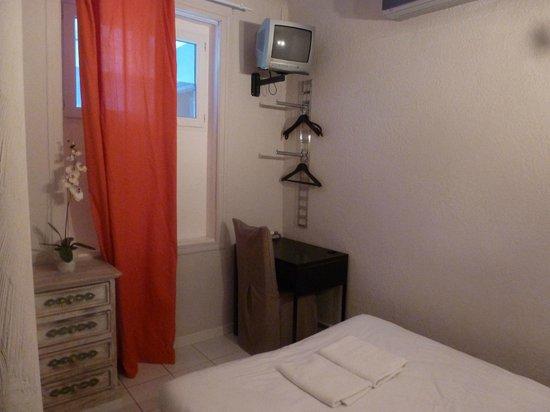 Hotel Le 126 : CHAMBRE ECONOMIQUE SOIREE ETAPE