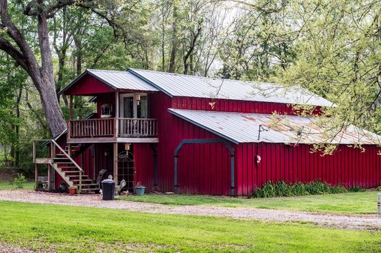 Country Charm Bed and Breakfast : The Barn