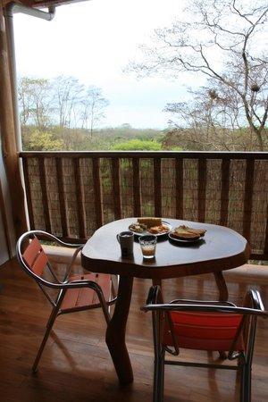 Vista Naranja Ocean View House : Petit déjeuner dans un décor de rêve dehors comme dedans