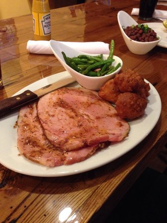 Lula's Louisiana Cookhouse: Ham with hush puppies and southern beans.