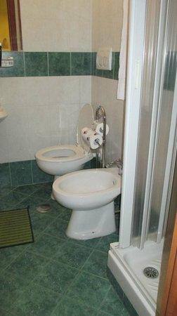 Hotel Grifo: En-suite bathroom