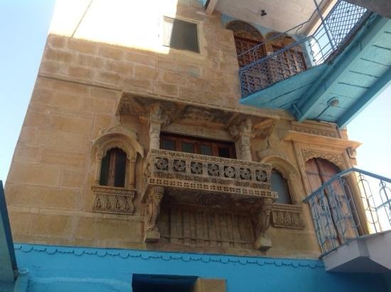 The Blue House Guest House Jodhpur: Staircase to suite