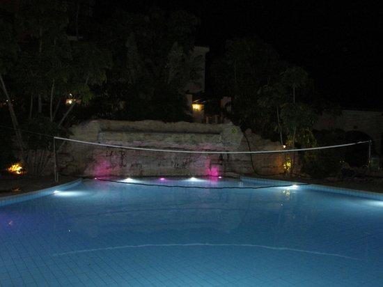 Avanti Holiday Village: Pool