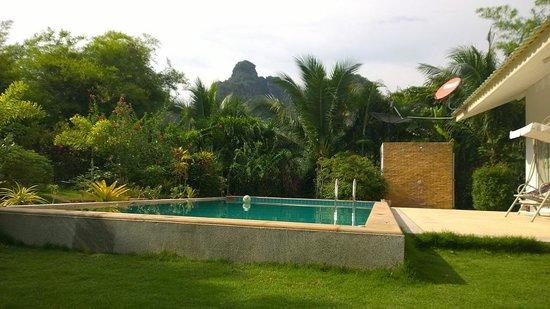 Real Relax Resort & Beauty Massage: Pool