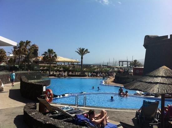 Barcelo Castillo Beach Resort: The pool area.