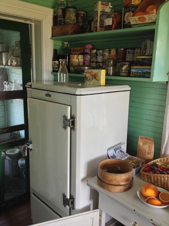 Chicamacomico Life-Saving Station Historic Site & Museum: Midget house kitchen again