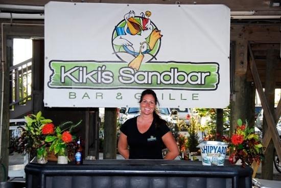 Kiki's Sandbar: Have a cocktail on the beach!
