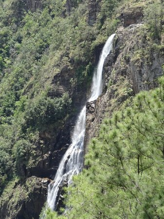 Hidden Valley Inn: 1000 foot falls