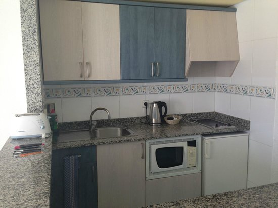 Cala d'Or Apartments: Kitchen Area