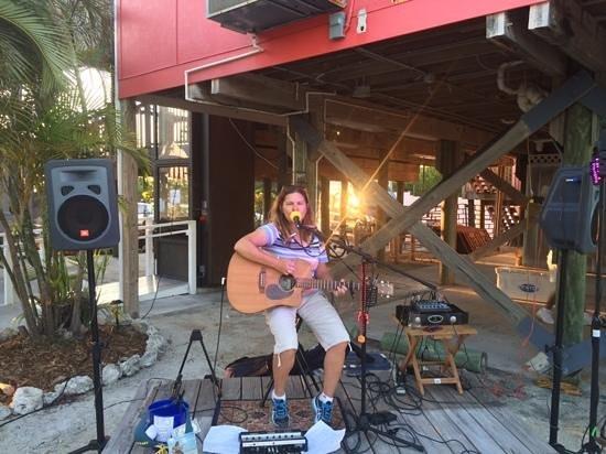 Kiki's Sandbar: I hear the great live music almost every night!