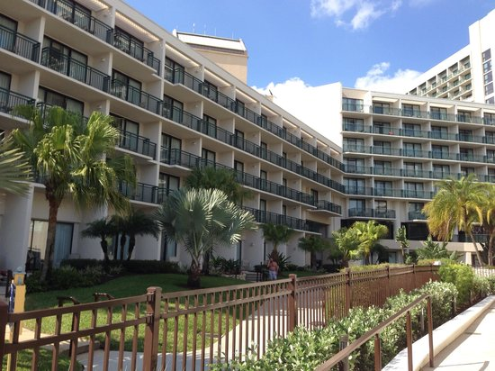 Orlando World Center Marriott: Meticulously maintained grounds