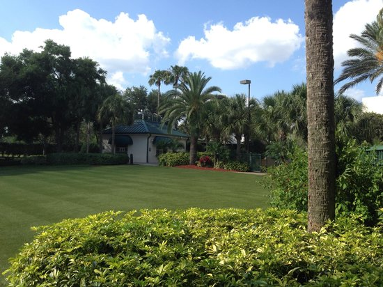 Orlando World Center Marriott: Beautifully landscaped