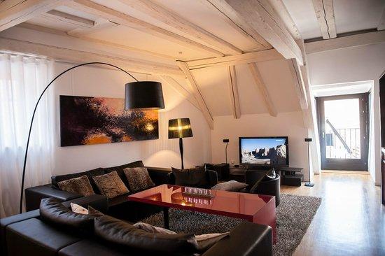 B. Espace Suites : suite luxe& design