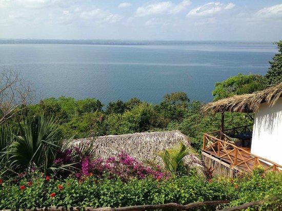 La Lancha Lodge: Lake Peten Itza seen from the lodge