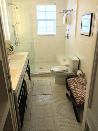The Betsy - South Beach : Bathroom (Suite)