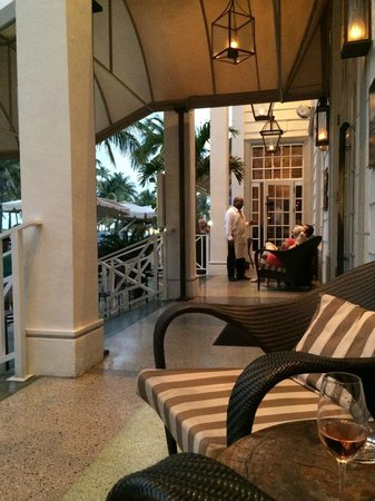 The Betsy - South Beach : Terrace at Ocean Drive