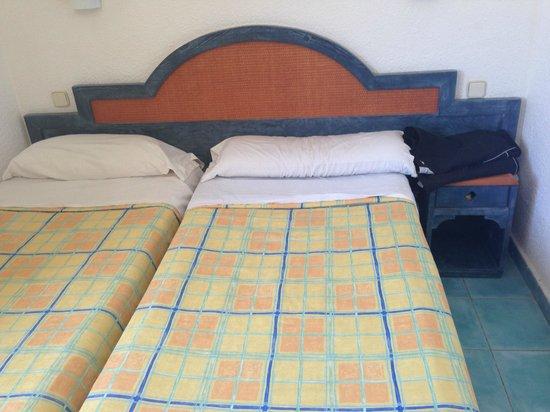 Cabau Cala D'Or: Both beds