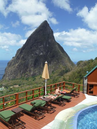Ladera Resort: Piton from the bar