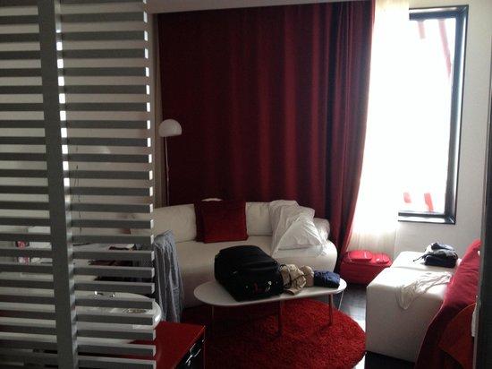 Hotel Porta Fira : Vista dall'entrata