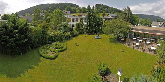 Hotel Niedersfeld: Hotel Tuin