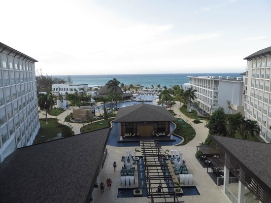 Royalton White Sands Resort : view of the hotel from the 6th floor