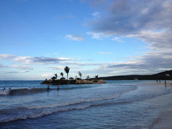 Royalton White Sands Resort : view of the island