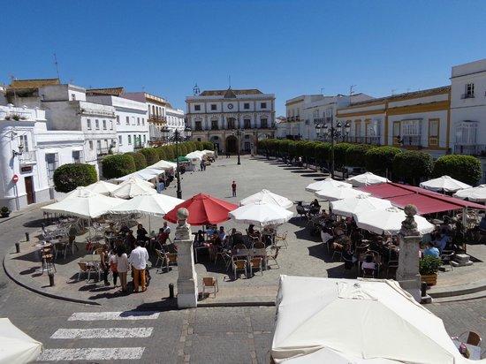 Restaurante Bar Paco Ortega: Plaza de España, Medina Sidonia.