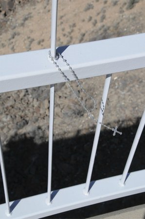Rio Grande Gorge Bridge: rosary attached to bridge