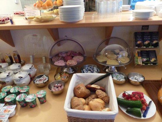 Scharl am Maibaum: Frühstücksbuffet