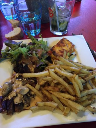 Les Terrasses de Saint Pierre : Magret aux cèpes (un peu trop gras mais bon )