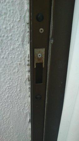 Bahia Blanca : Defective exterior door