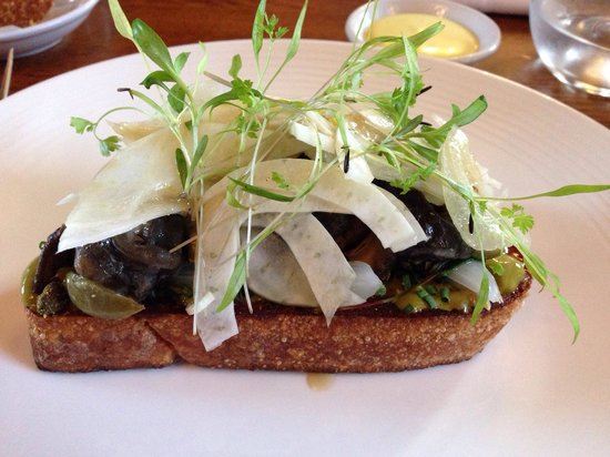 The Hinds Head: Hash of snails