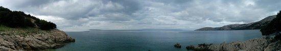 Stara Baska (Old Baska): Beach