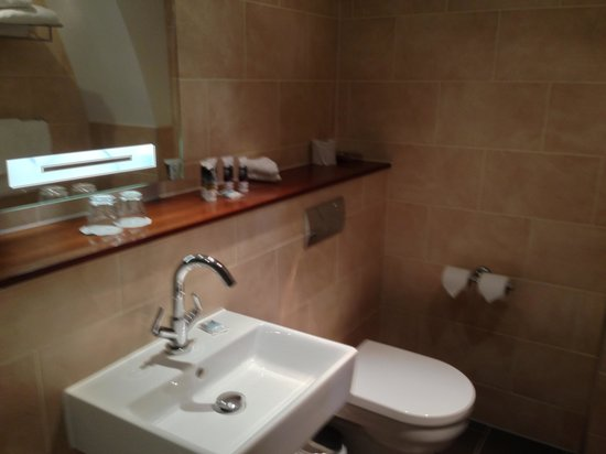 Mercure Stratford-Upon-Avon Shakespeare Hotel: Privilege Bathroom