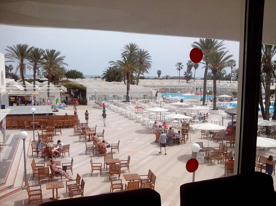 El Mouradi Club Kantaoui : view out of the lobby