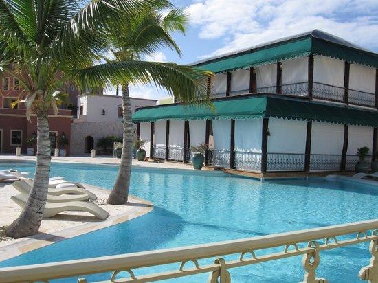 Alsol Luxury Village: Cielo pool and restaurant