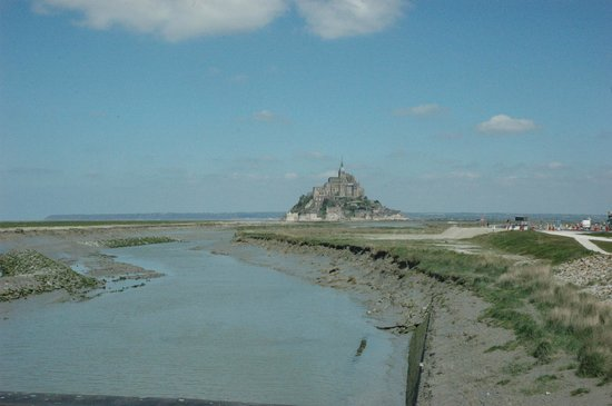 Abbaye du Mont-Saint-Michel : Mont Saint Michael - a view from the new dam