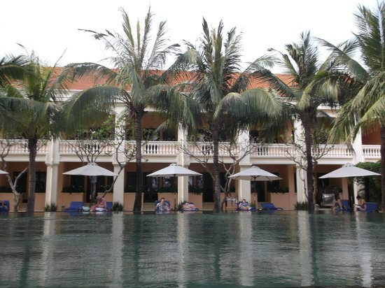Anantara Hoi An Resort: hotel view from pool