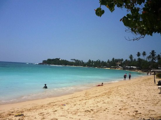 Unawatuna Apartments: Пляж
