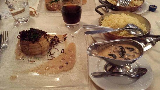 Restaurant Bartholdi : Croute aux morilles avec nouilles