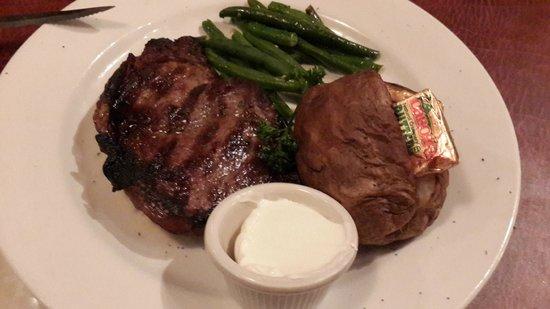 Zoey's Double Hex Restaurant: steak