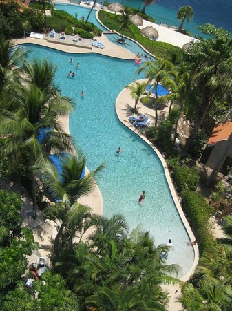 Hilton Curacao: The Pool from the Exective Lounge