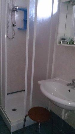 Hotel Tirrenia: dettaglio bagno