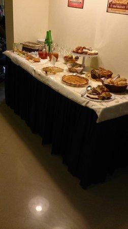 Hotel Tirrenia : buffet della colazione - dolci fatti in casa