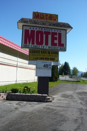 Skagit Motel : Sign on SR 20