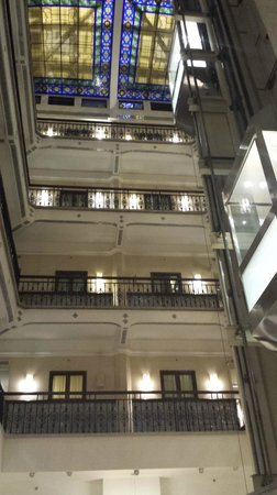 Hampton Inn & Suites Mexico City - Centro Historico: full layout - you can see the dining room area at the bottom