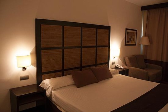 Attica21 As Galeras: Dos metros de cama